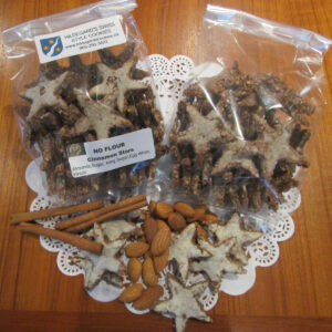 Zimtsterne (cinnamon stars) with main ingredients